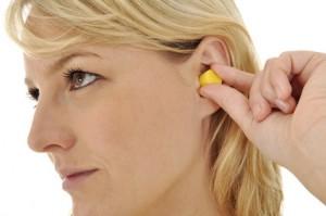 Hörsturz: Ursachen und Therapiemöglichkeiten