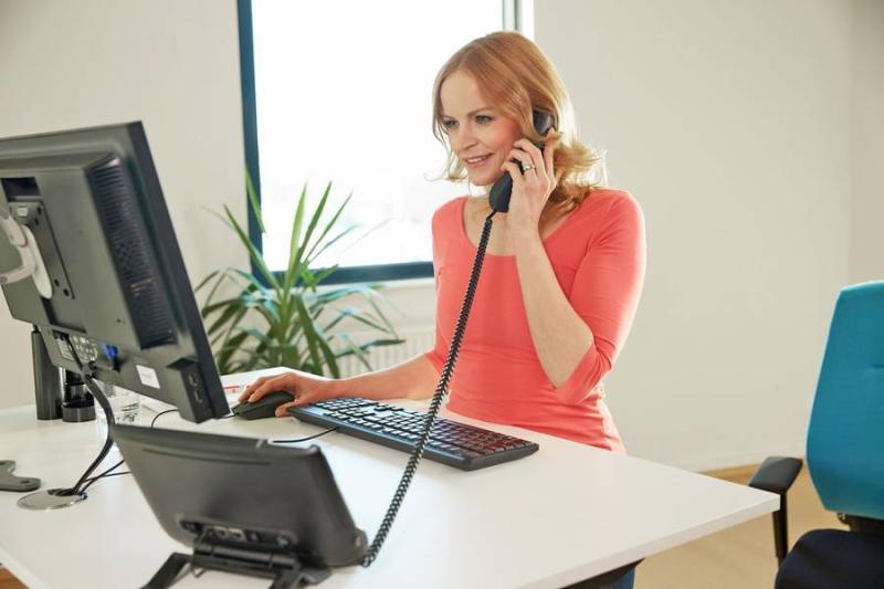 Ein ergonomischer Arbeitsplatz kann bei Rückenbeschwerden viel bewirken
